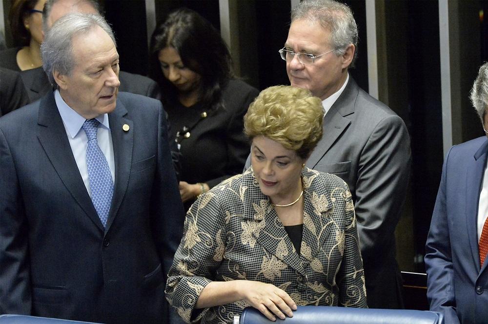Rousseff llega al Senado para jugar su última carta antes del juicio