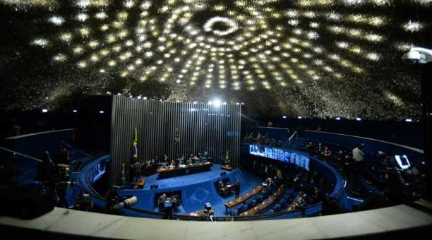 Rousseff sería apartada el cargo de manera definitiva mañana