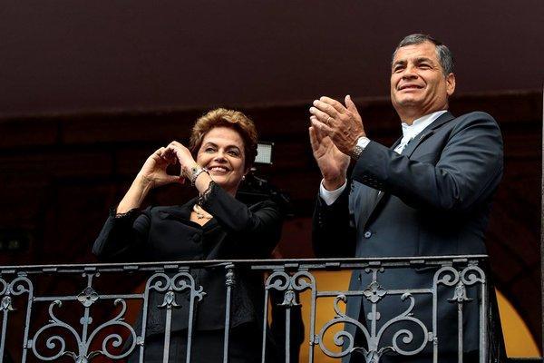 Correa retira al encargado de embajada en Brasil tras destitución de Rousseff