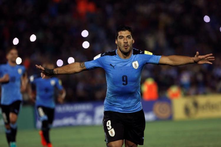 Uruguay vuelve a la cima de las Eliminatorias, Ecuador se queda con otra derrota