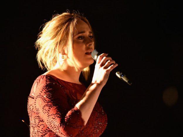 Adele dejará los escenarios durante 10 años para cuidar a su hijo