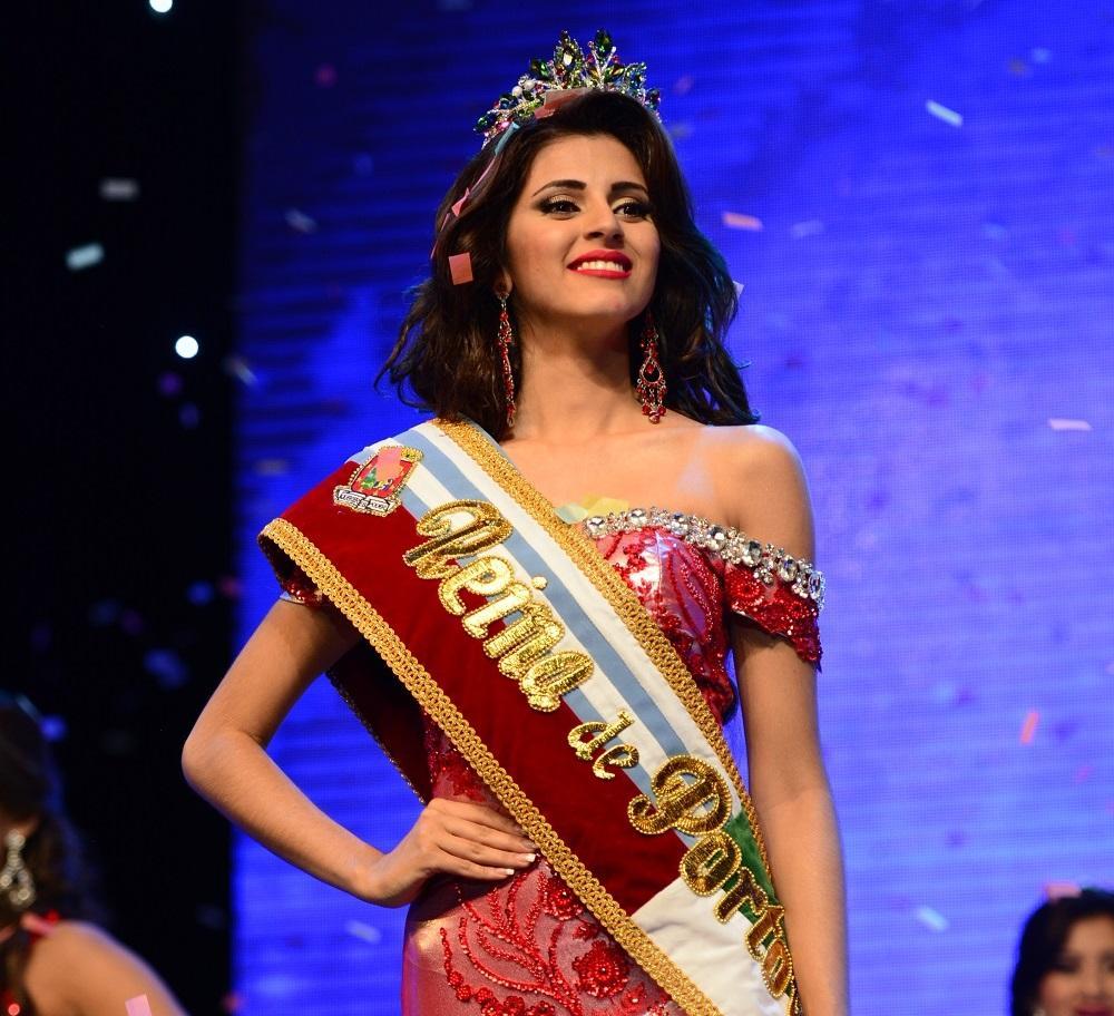 Valentina Mendoza es la nueva reina de Portoviejo