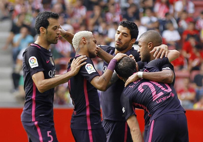 El FC Barcelona golea por 5-0 al Sporting