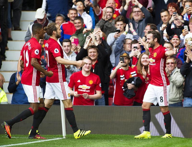 El Manchester United vence por 4-1 al Leicester