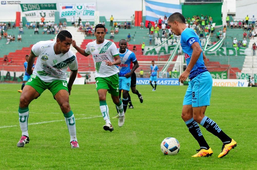 RESUMEN: Liga de Portoviejo empata sin goles, Macará sigue líder