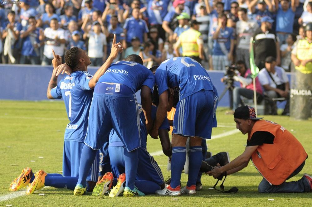 Emelec vence por 2-1 a Independiente en el Capwell