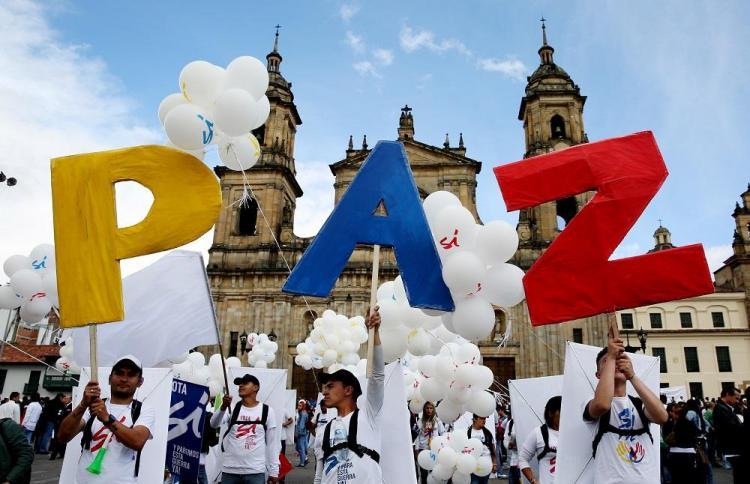 Gobierno y las FARC firman el acuerdo de paz
