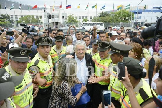 Pepe Mujica inaugura el monumento al Gral. Eloy Alfaro Delgado