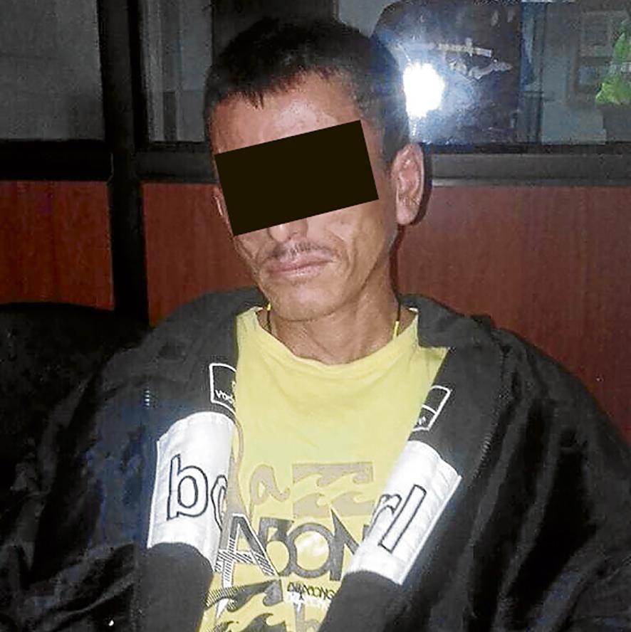 Cae en Cuba con una cartuchera