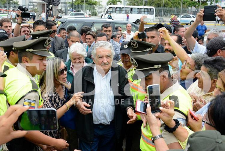 José Mujica visitó Portoviejo y fue declarado 'huésped de honor'