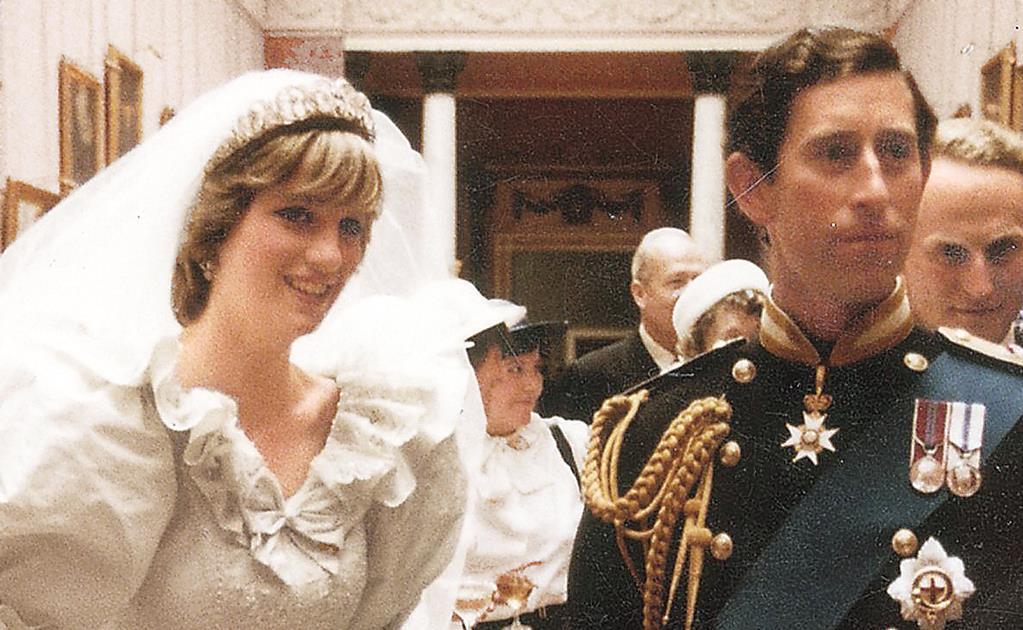 El príncipe Carlos temió ser asesinado en el funeral de Diana de Gales