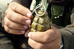 Padre lanza dos granadas durante la boda de su hija y deja 12 muertos