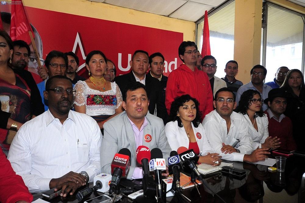 La Unidad Popular anuncia apoyo a Paco Moncayo y retira a su precandidato