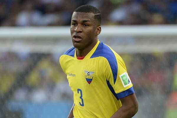 'Hay que tener la pelota para que el rival sufra', dice Frickson Erazo