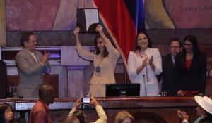 La Asamblea Nacional entrega condecoración 'Manuela Sáenz' a Cristina Fernández