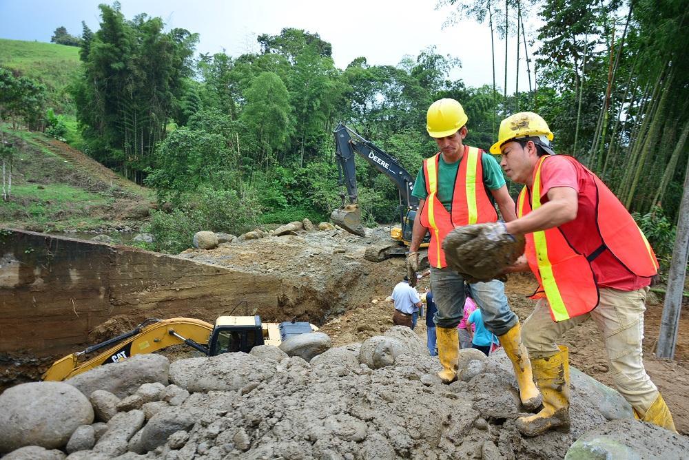 Inicia construcción de puente