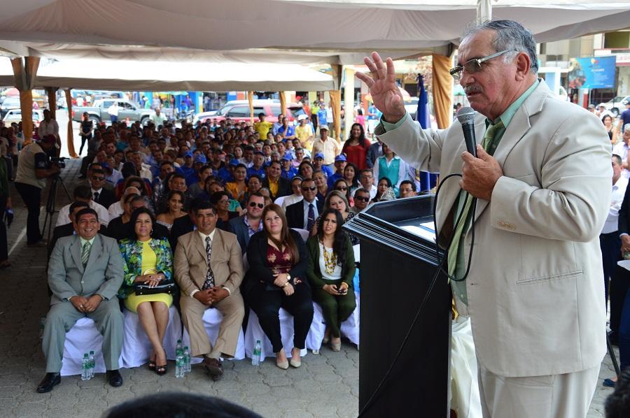 Firman contrato para la construcción de un nuevo mercado en Rocafuerte