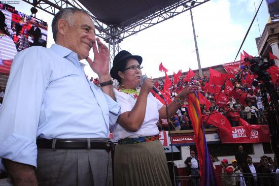 El Acuerdo Nacional por el Cambio oficializa candidatura de Paco Moncayo