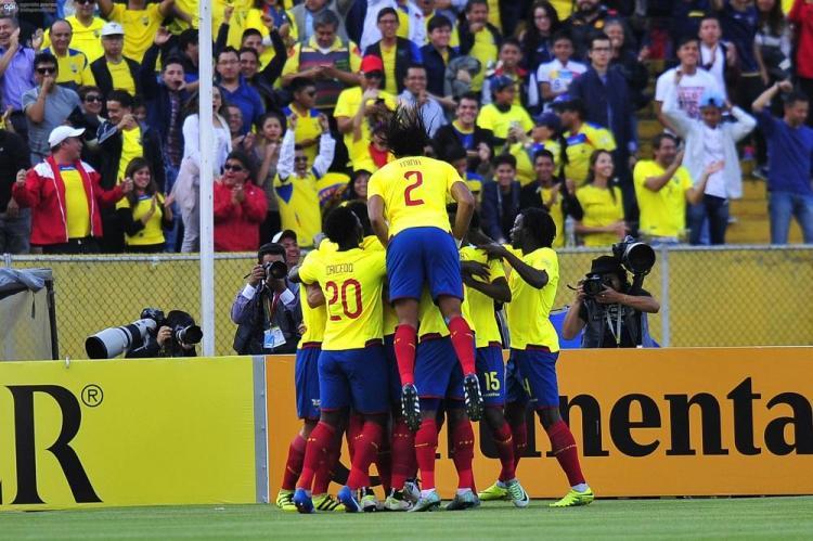 Ecuador 'aplasta' al bicampeón de América en el Atahualpa