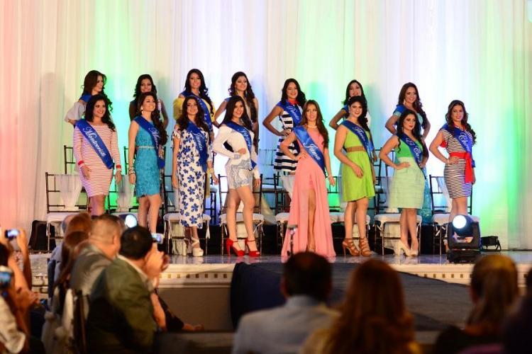 Candidatas de 16 cantones pugnan por la corona de Reina de Manabí