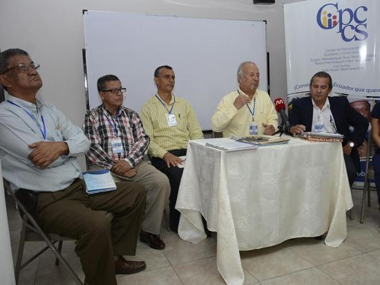 Veeduría para la reconstrucción dividida en cinco comisiones