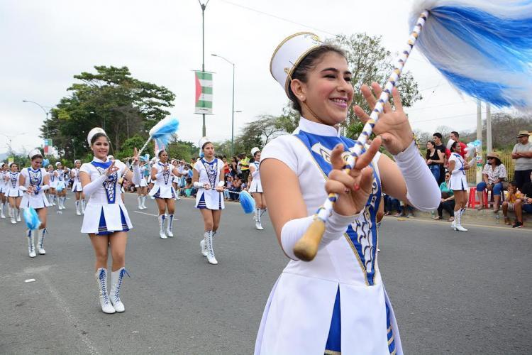 Portoviejo celebra sus 196 años de independencia con un desfile