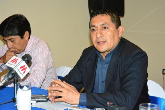 Profesionales apoyan a Moncayo