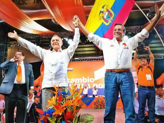 Moncayo y Jairala sellan su alianza en convención de CD