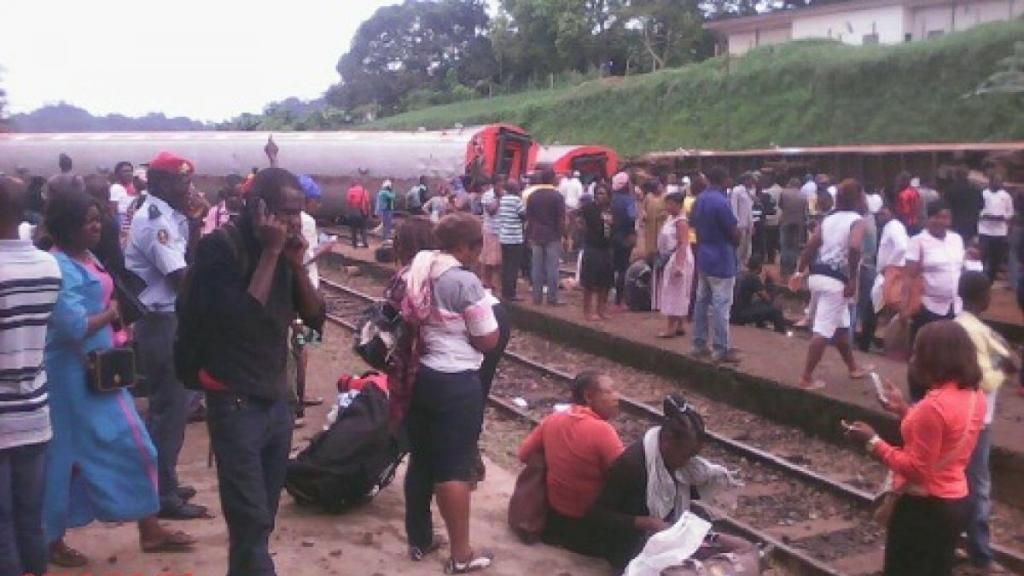 Al menos 55 muertos y más de 500 heridos al descarrilar un tren en Camerún