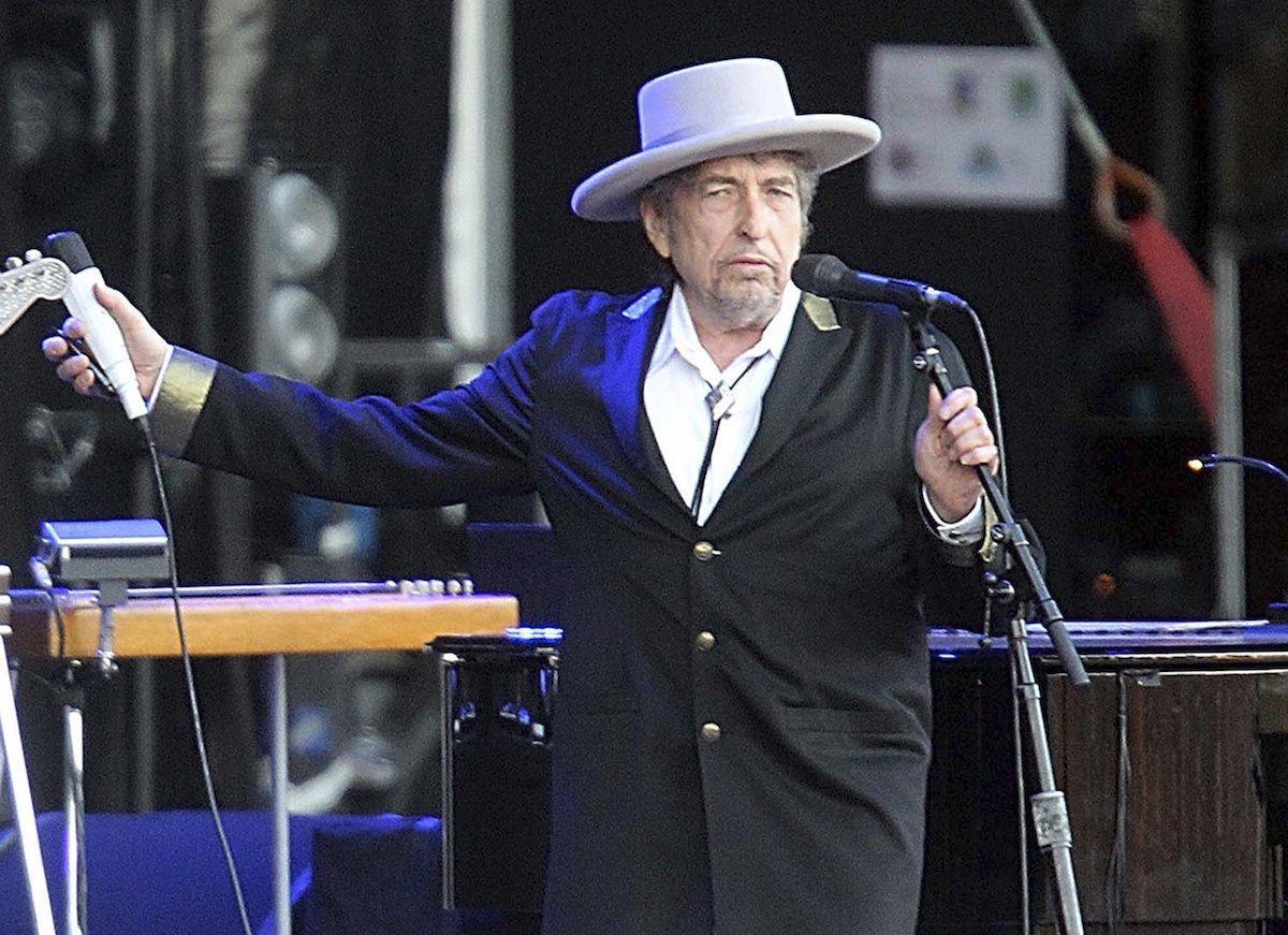 Bob Dylan aceptó el premio Nobel de Literatura en su página web, pero luego rectificó