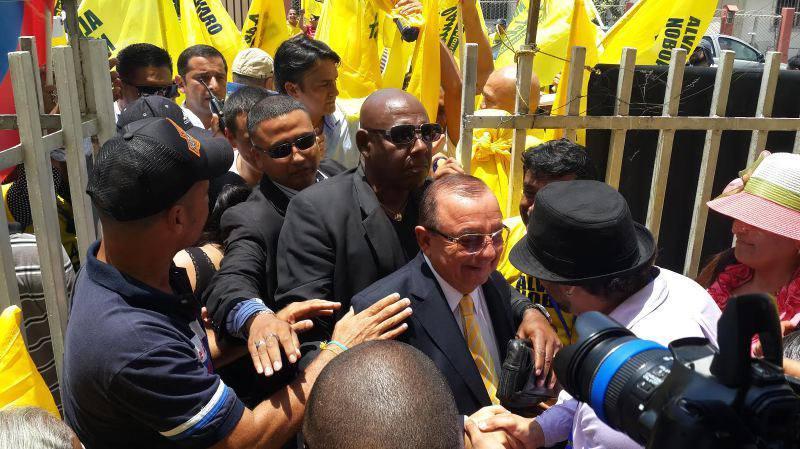 Por sexta ocasión Álvaro Noboa intentará llegar al poder