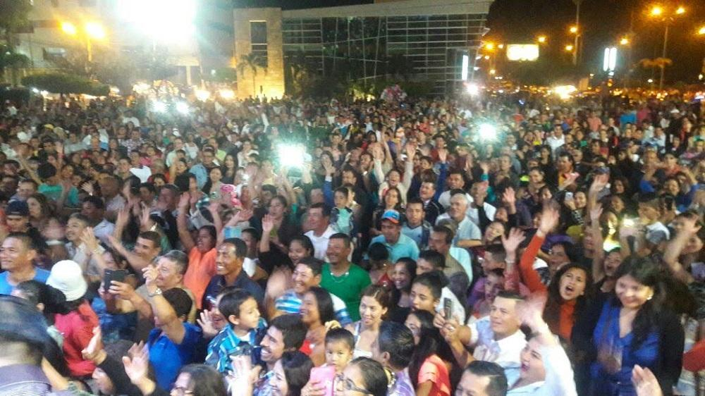 Miles de personas acudieron a disfrutar del 'Festival de las orquestas' en Manta