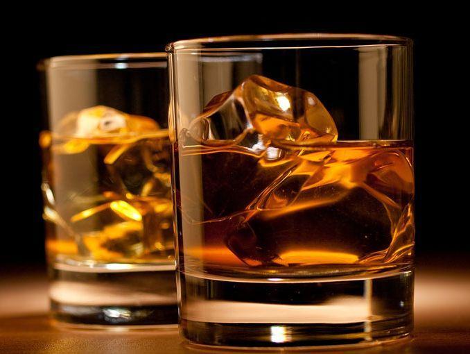 Irak prohíbe la importación, fabricación y venta de bebidas alcohólicas