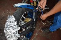 Hombre es detenido con una motocicleta robada