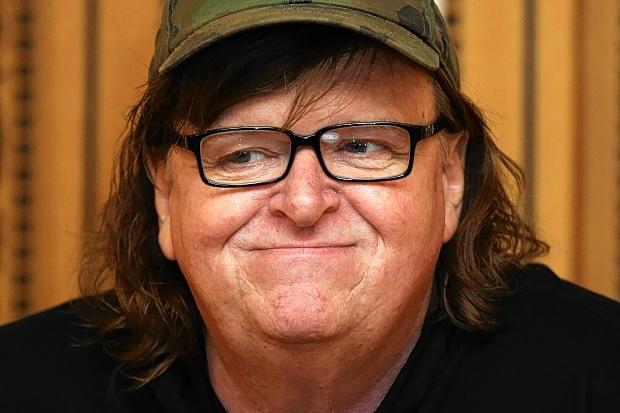El actor y director Michael Moore vuelve a la polémica con un nuevo documental