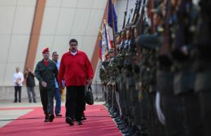 Parlamento venezolano aprueba iniciar un proceso político contra Maduro