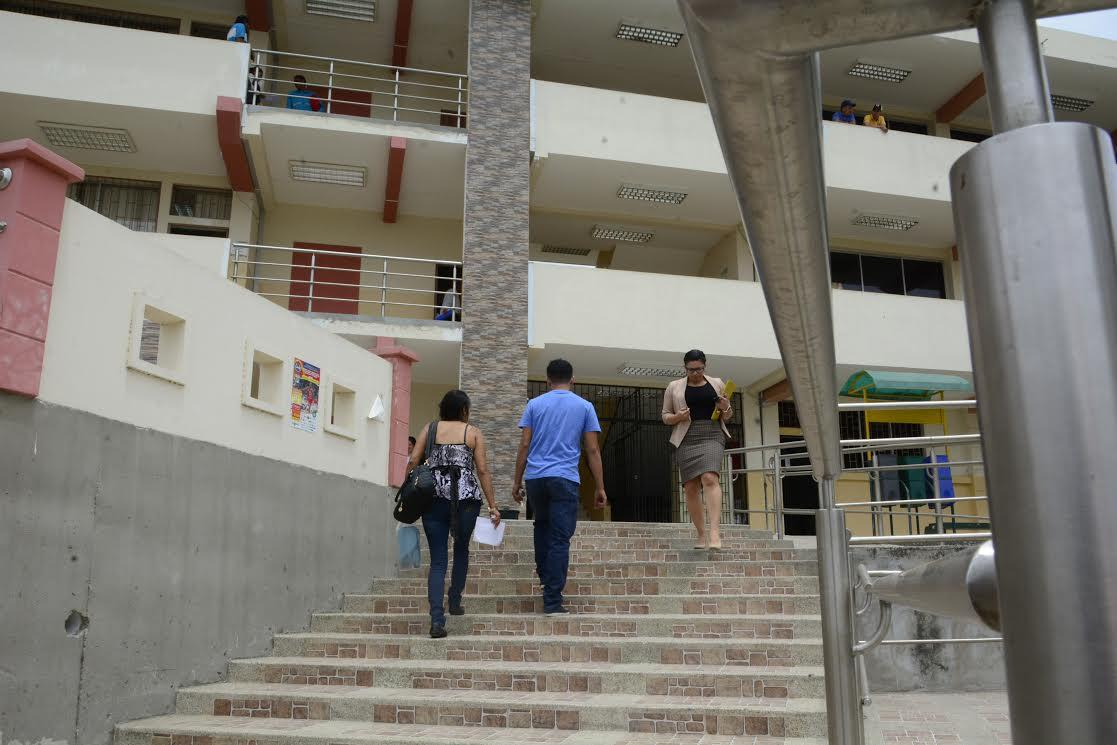 Municipio pagará 12.000 mensuales por oficinas en vía a Manta