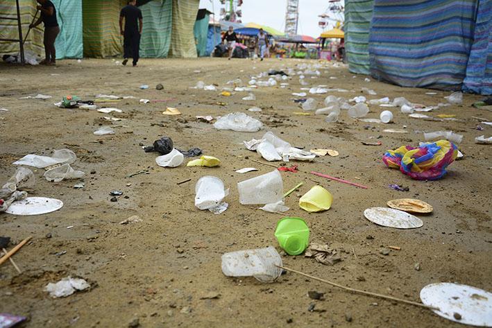 Multados por falta de limpieza en la Feria del Comercio