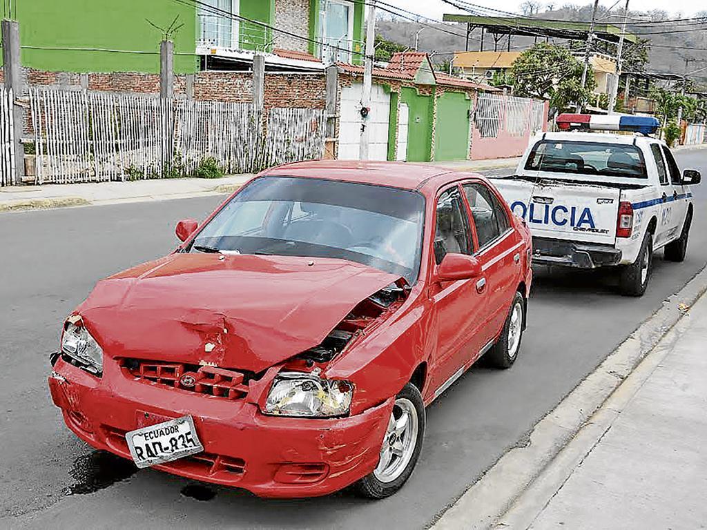 Detienen a presunto ladrón tras chocar contra taxi