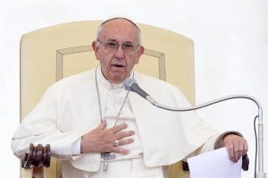 El papa asegura que cerrar las fronteras sólo favorece el tráfico de personas