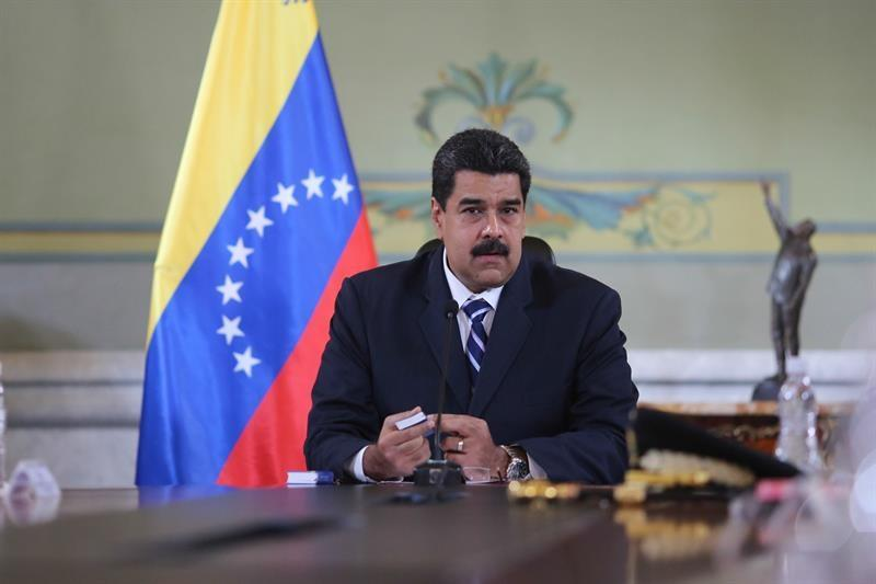 Maduro aumenta un 40 % salario mínimo en Venezuela, la cuarta subida este año
