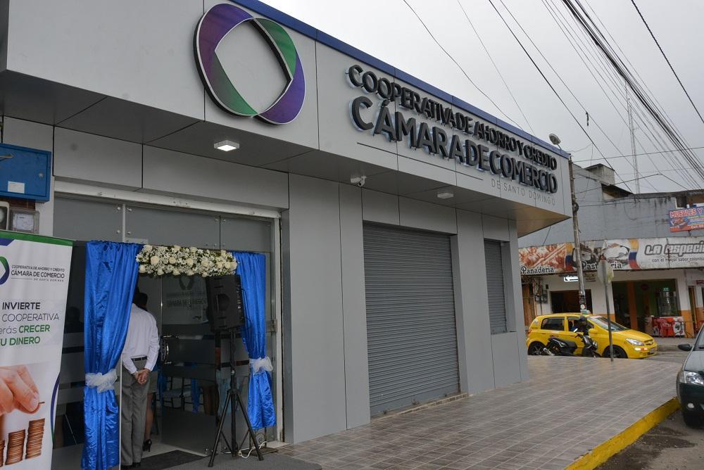 Aperturan nueva oficina de servicio el diario ecuador for Servicios de oficina
