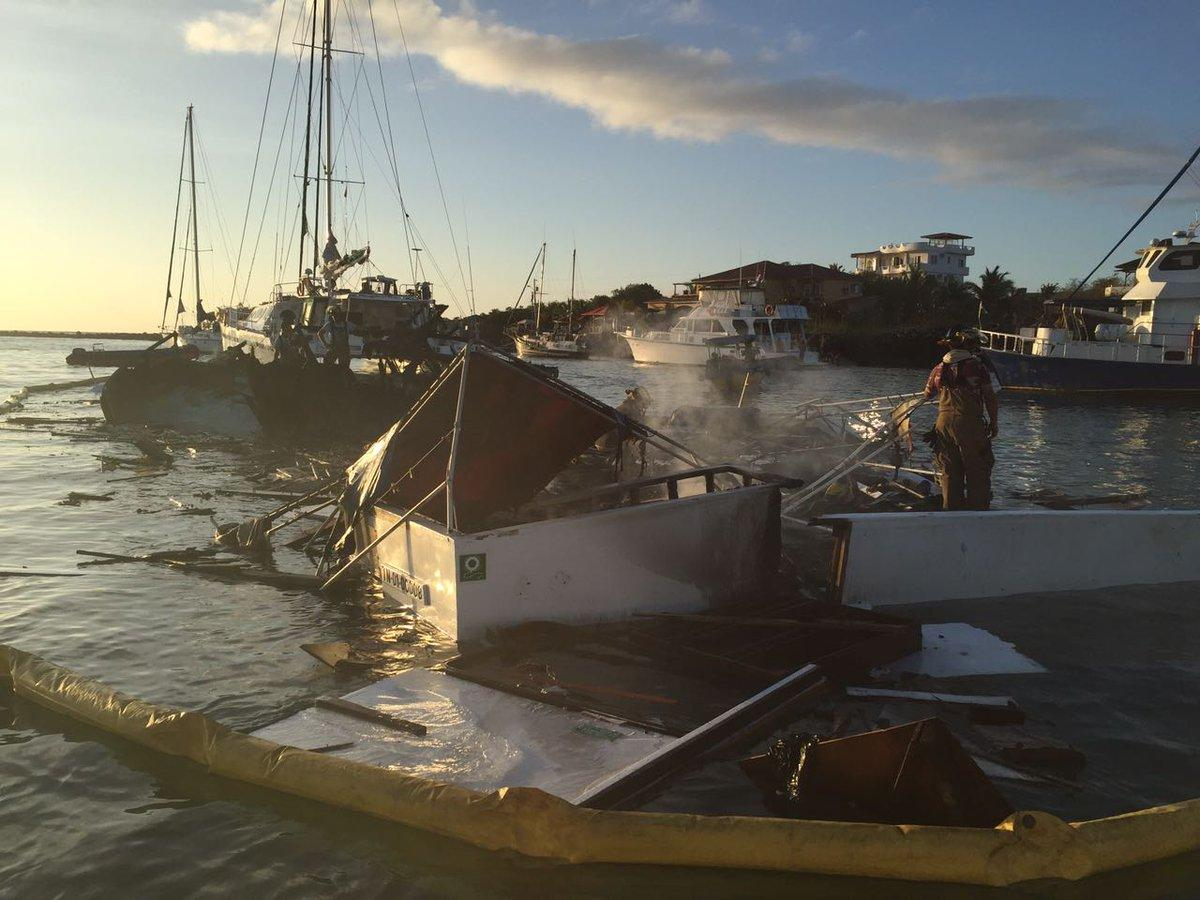 Un herido y un desaparecido tras la explosión de un barco en Galápagos