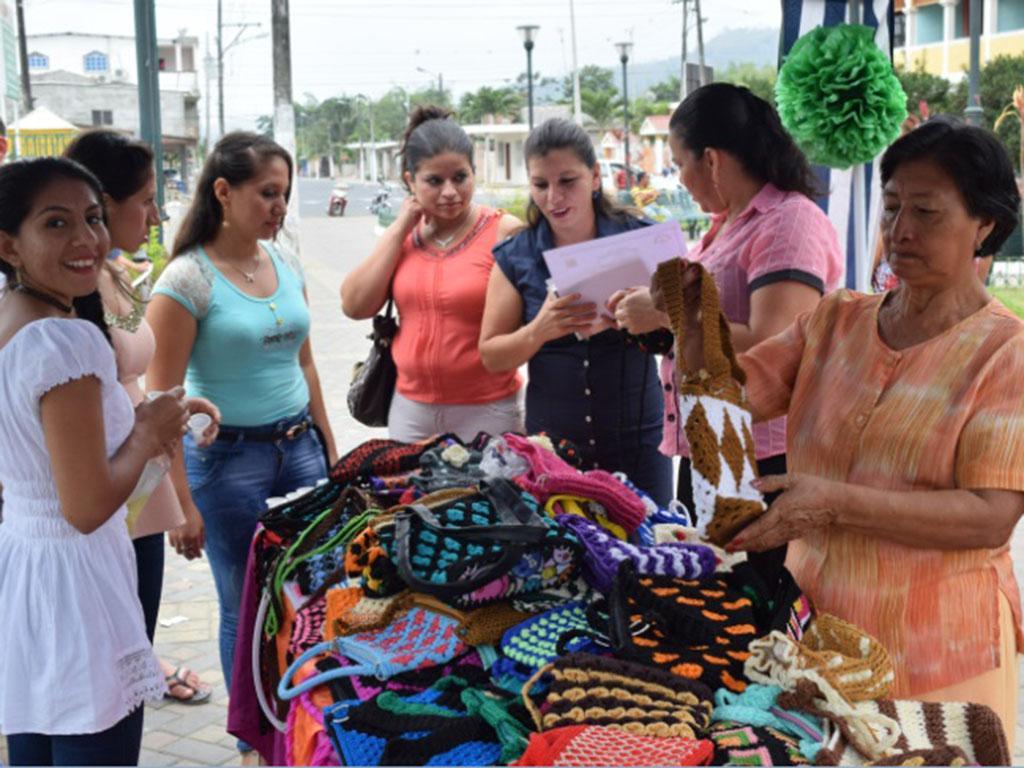 Clausuran talleres artesanales organizados por fundaci n for Talleres artesanales