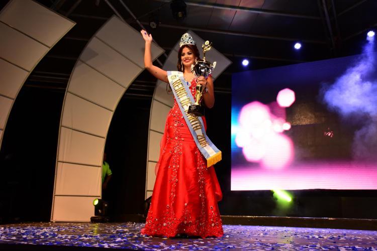 Joseleem González es la nueva Reina de Manta