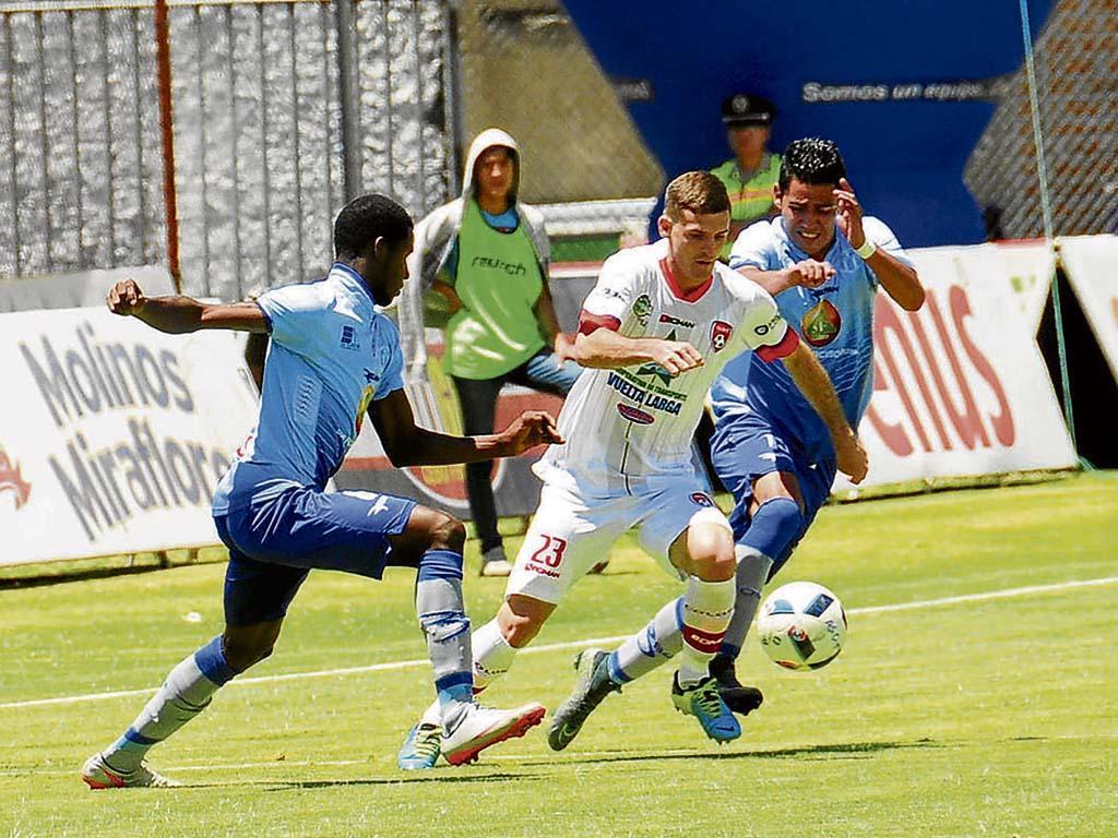 Colón juega puntos clave