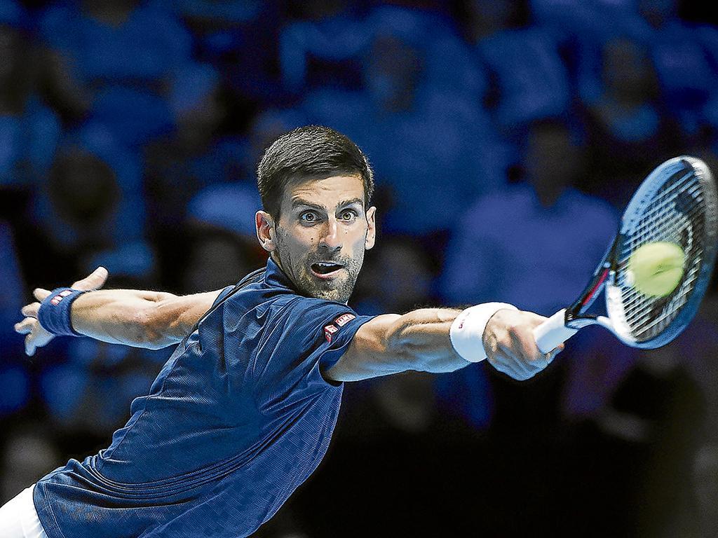 Djokovic impuso su ley en la apertura del masters de Londres
