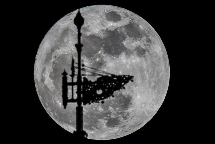 La 'Superluna' se vio en varias partes del mundo