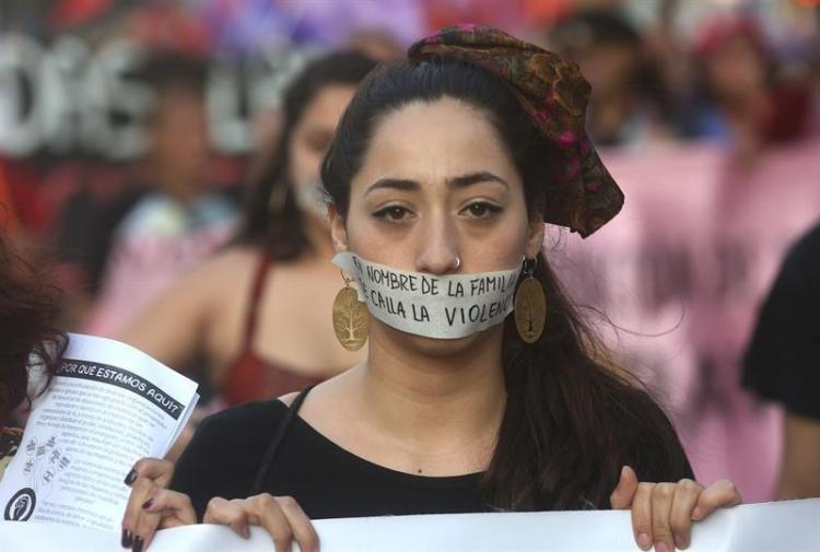 Las mujeres del mundo salieron a las calles a exigir no más violencia