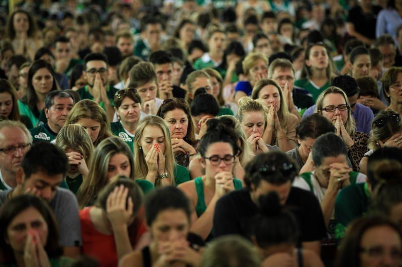 El mundo del fútbol está de luto ante tragedia aérea de Chapecoense